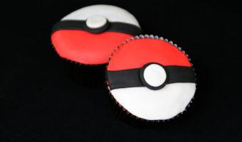 Pokéball Cupcakes